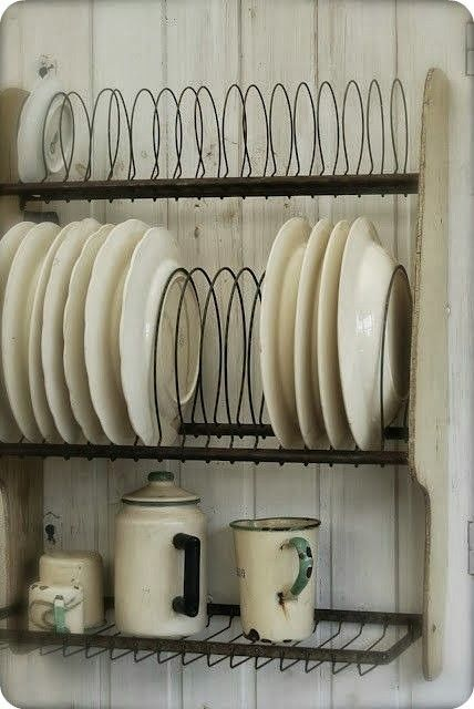 wire and wood plate rack.