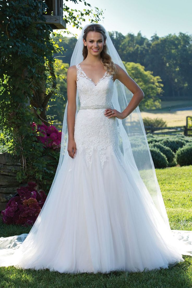 65 best Plus Size Wedding Gowns images on Pinterest | Wedding frocks ...
