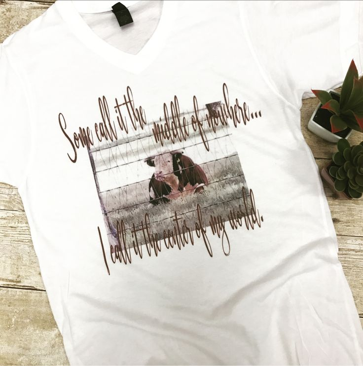 Middle Of Nowhere Graphic Cow Tee