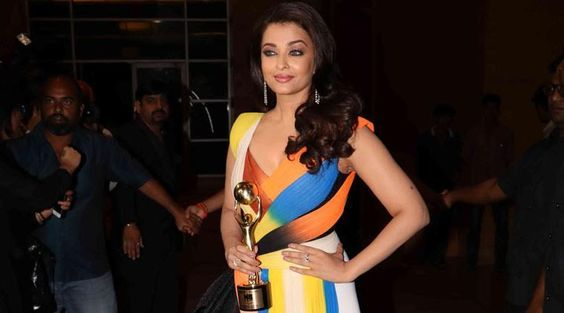 Aishwarya Rai Bachchan has won the 'Global Indian of the Year' award.