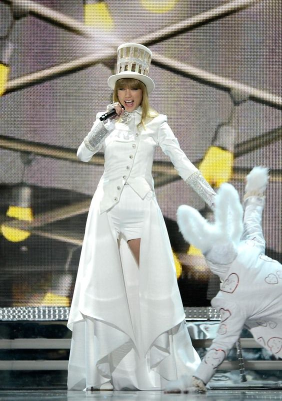 Taylor Swift - 2013 Grammy Awards - February 11, 2013 - Performance