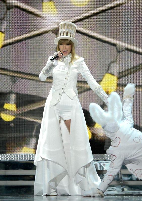 Taylor Swift - 2013 Grammy Awards - February 11, 2013 - Performance