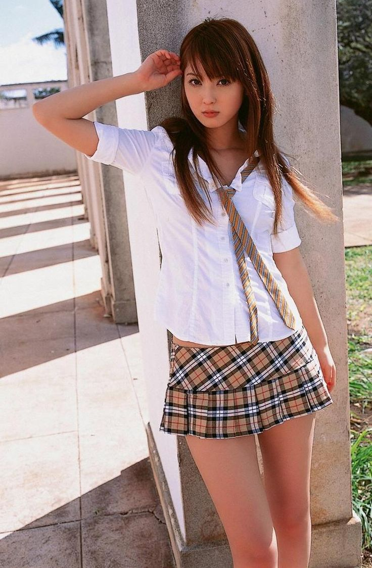 Girl gives blowjob in school-5986
