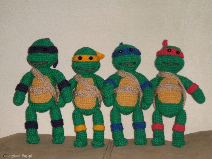 Wojownicze żółwie Ninja (maja po 22 cm )