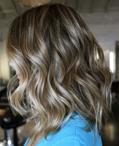 Medium+Curly+Hairstyle+With+Ombre+Highlights