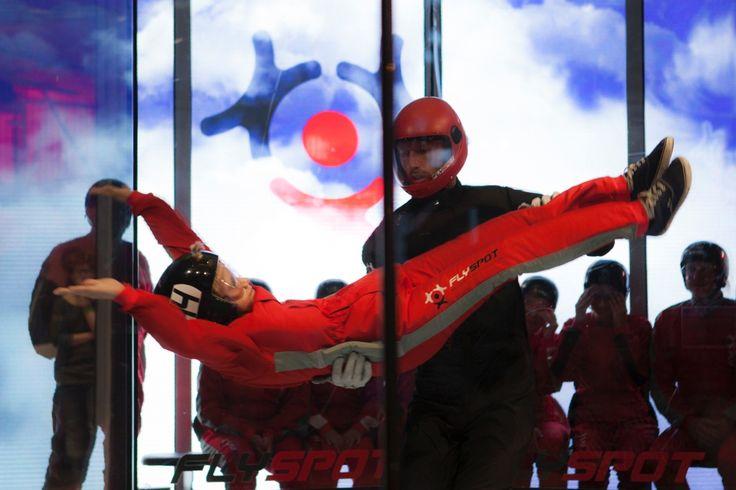 Gazeta Wyborcza o #Flyspot http://warszawa.gazeta.pl/warszawa/1,34862,16495116,Kazdy_moze_latac__Otwarto_tunel_aerodynamiczny__WIDEO_.html