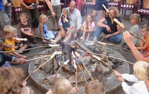 Correze- Kasteel camping met chalets en lodge tenten- Domaine de Mialaret