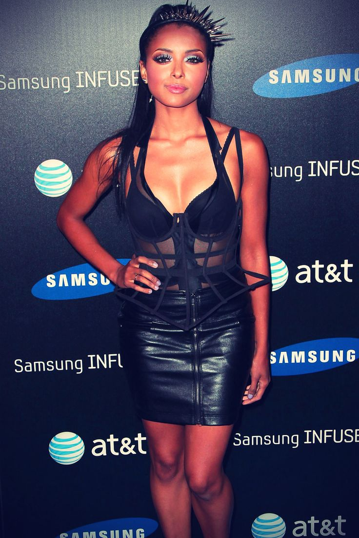 Katerina Graham at Samsung Infuse 4G l