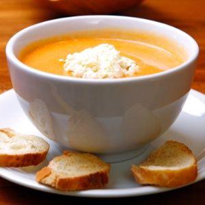 Sopa de Abobora com gorgonzola