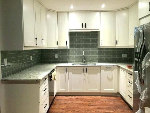 25 Modern White Kitchens Kitchen In 2019 Off White Cabinets