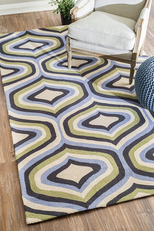 Today's rug is this beautiful rug valued at! Enter for a chance to win in our Midnight drawing.