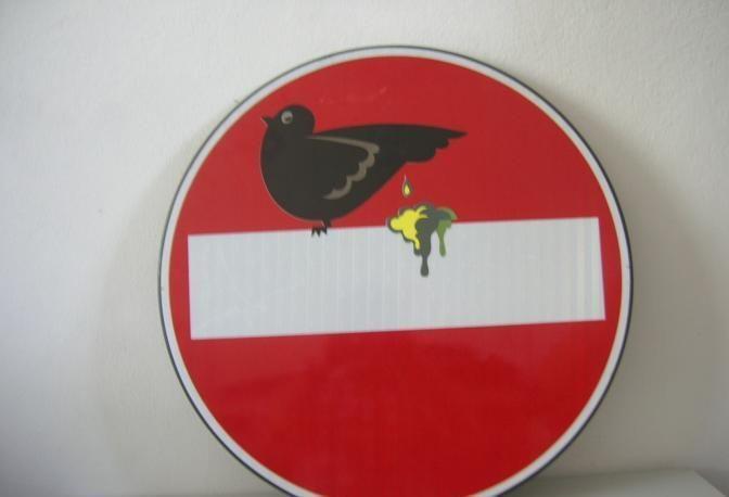 Livorno, il Comune mette su eBay i cartelli stradali dell'artista Clet. #streetart