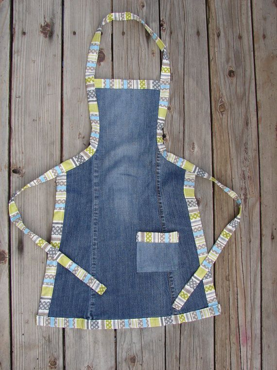 jeans apron! This would be a great way to use up all the old jeans I have just sitting a box! Maybe personalized gifts!