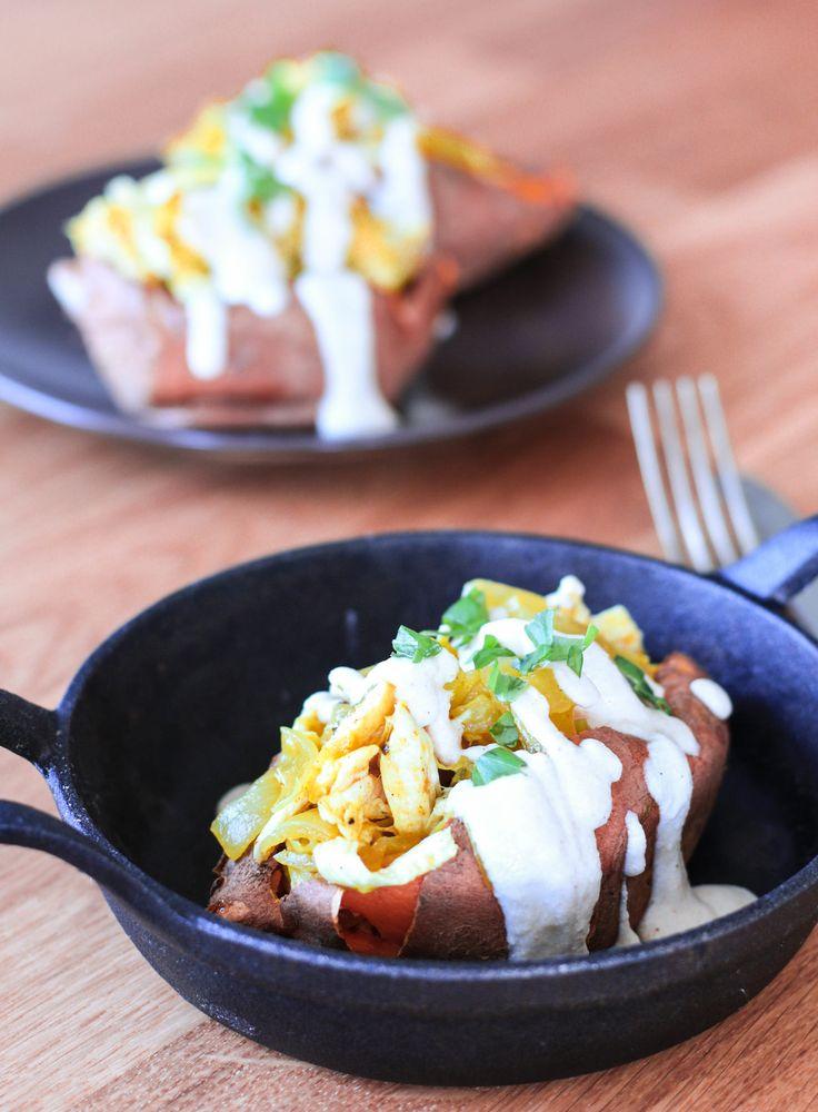 Batatas rellenas con pollo al curry, económicas y fáciles de preparar. Aptas para calentar en microondas. La vianda ideal para llevar a la oficina.