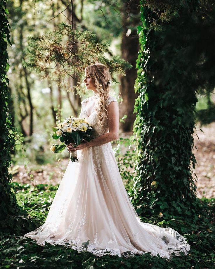 fairytale bride in vines www.becmatheson.com