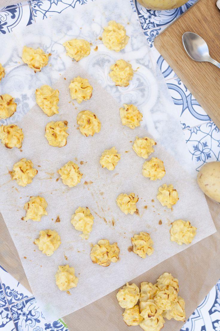 Patatas duquesa con salsa de cebolla ideales como guarnición