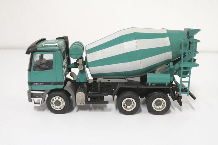 NZG Modell Betonmischer Mercedes Actros 2631 Grün Maßstab 1:43 No. 449 unbestpielt