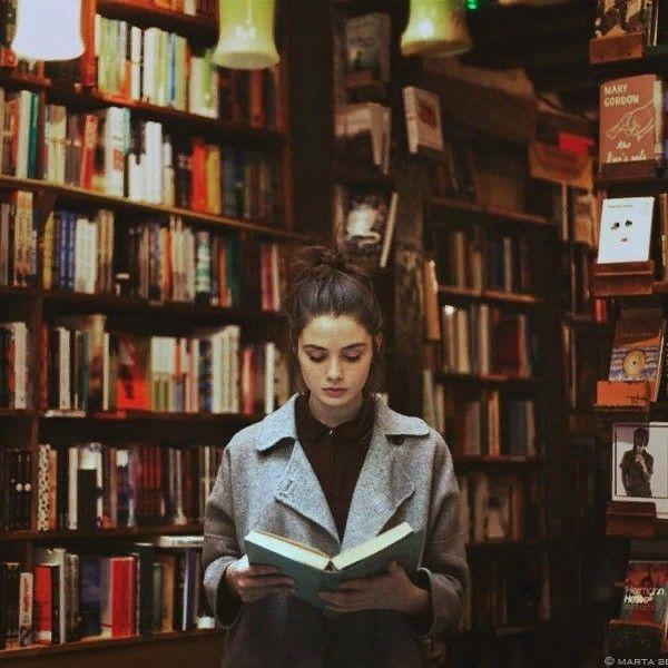 Αποτέλεσμα εικόνας για reading a book in pinterest