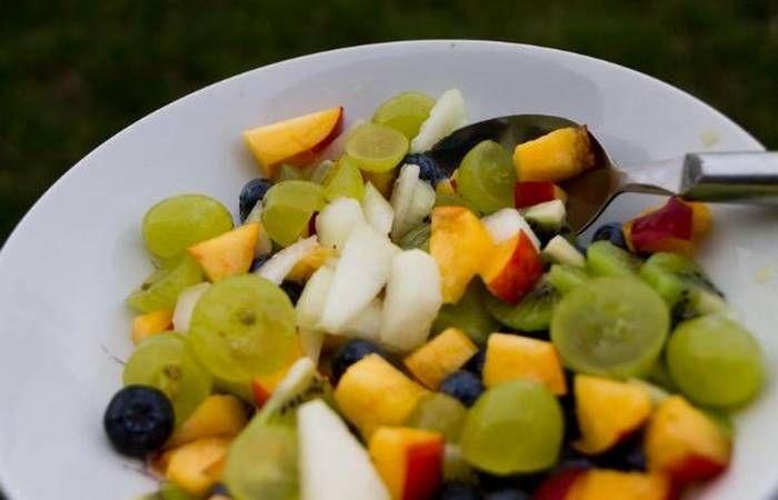 Wakacyjna sałatka owocowa