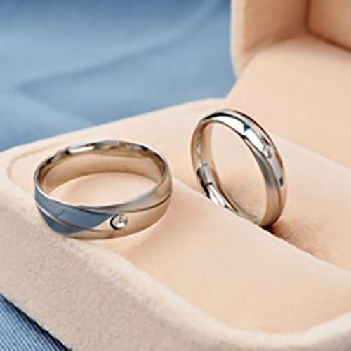 meskipun sebagai barang simbolik, tetapi ada makna cincin tunangan yang perlu Anda ketahui dari beberapa model cincin tersebut