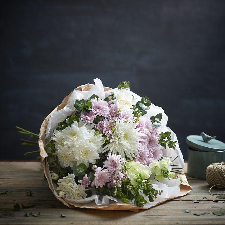 Natural Elegance Pastel Sheath of Flowers