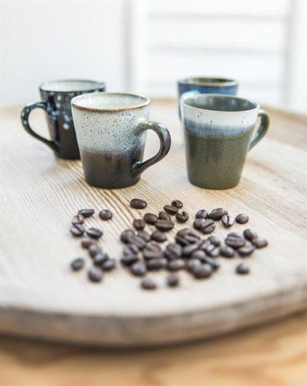 Keramik Espressotassen im Stil der 70er