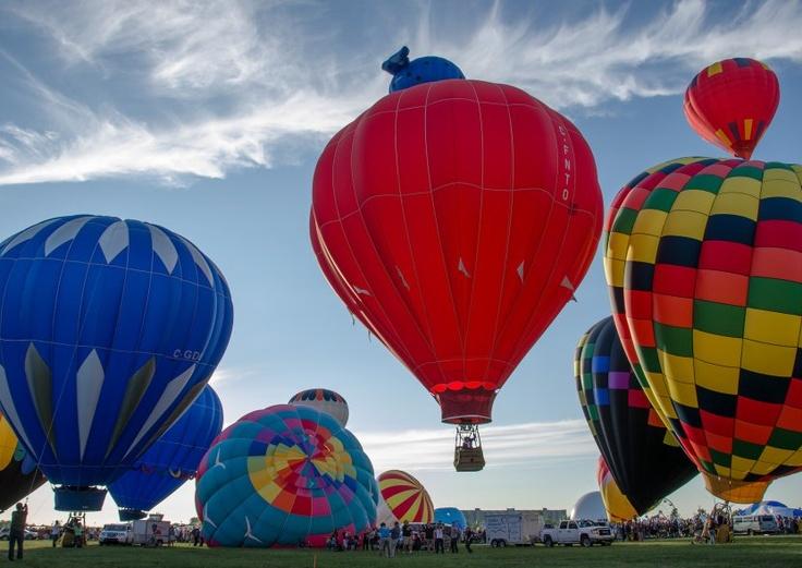 "International Balloon Festival of Saint-Jean-sur-Richelieu. International Balloon Festival of Saint-Jean-sur-Richelieu. ""International Balloon Festival of Saint-Jean-sur-Richelieu"""