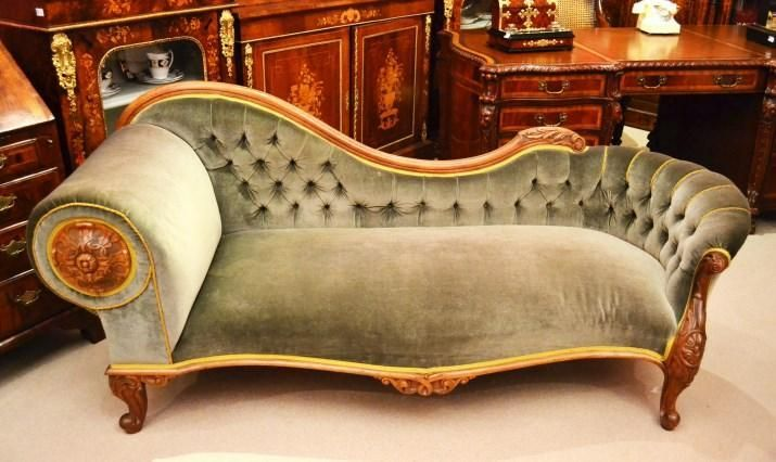 Mais de 1000 ideias sobre interiores vitorianos no for Antique victorian chaise longue