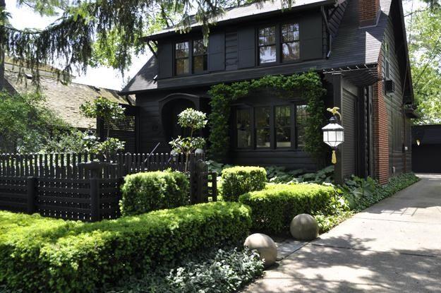 "01_dark_house_helps_make_garden_radiate ""Dream Team's"" Portland Garden Garden Design Calimesa, CA"