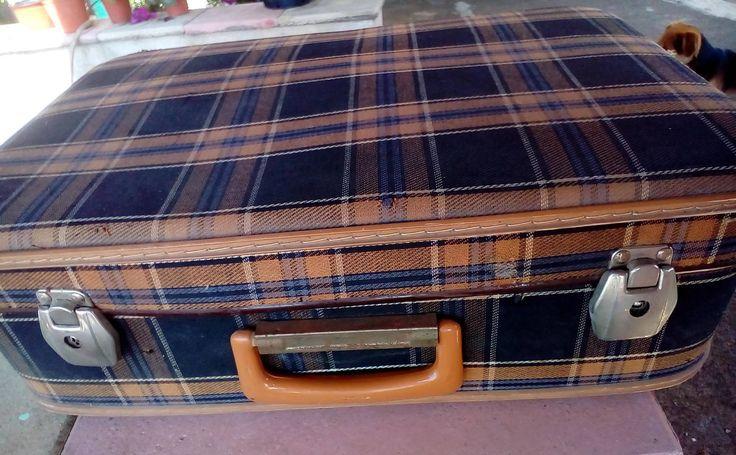 Vintage Suitcase, Italian, 70 years, the average by NonnaTania on Etsy