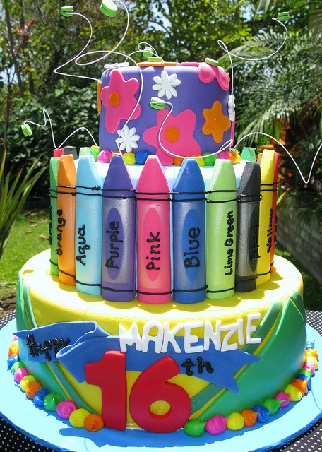cute crayon cake ~ love!