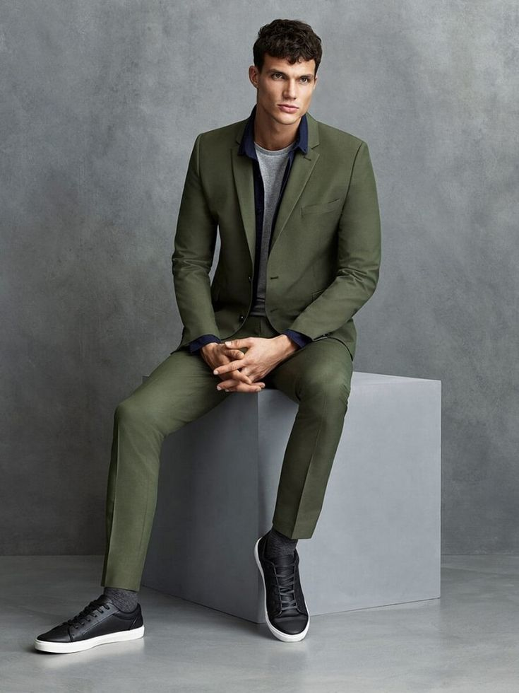les 25 meilleures id es de la cat gorie costume vert sur pinterest mode classique pour hommes. Black Bedroom Furniture Sets. Home Design Ideas