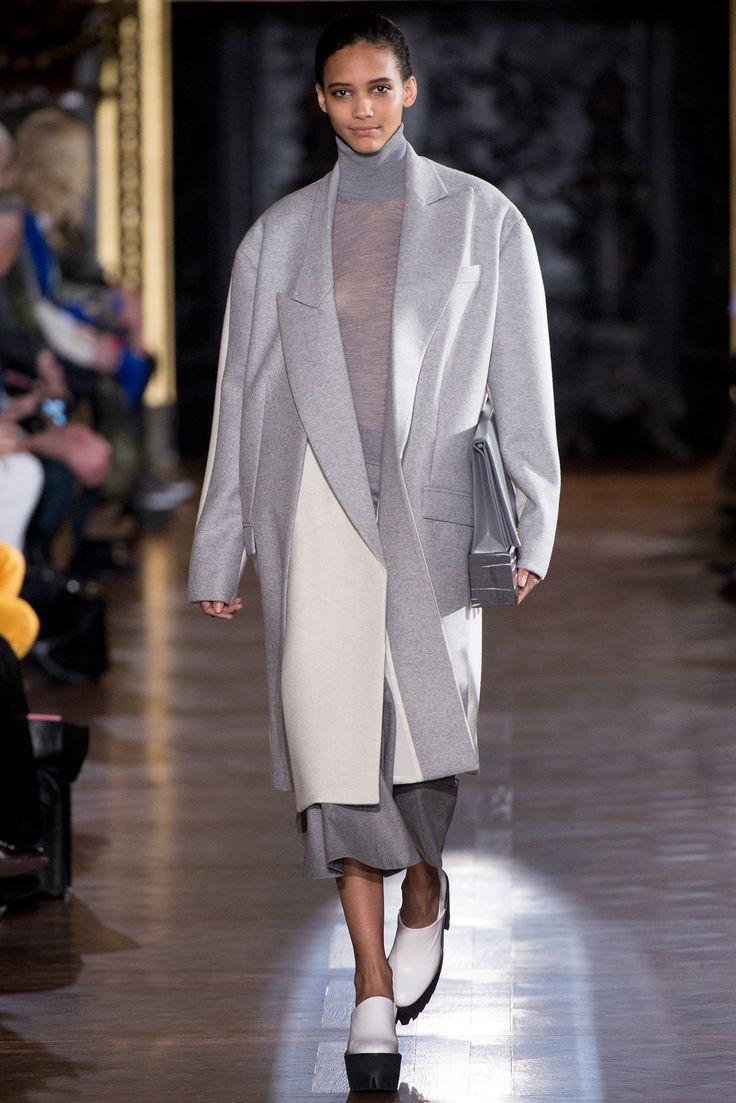 Stella McCartney Fall 2013 Ready-to-Wear Fashion Show - Cora Emmanuel