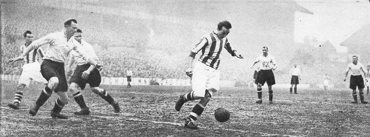 24th January 1953. Stoke City and England winger Stanley Matthews in action during a 5-1 against West Bromwich Albion, at the Victoria Ground.