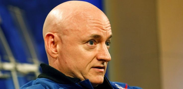 NASA astronaut Scott Kelly, who just spent 340 days in space, may have casually admitted to seeing aliens during an interview about his time on the International Space Station.