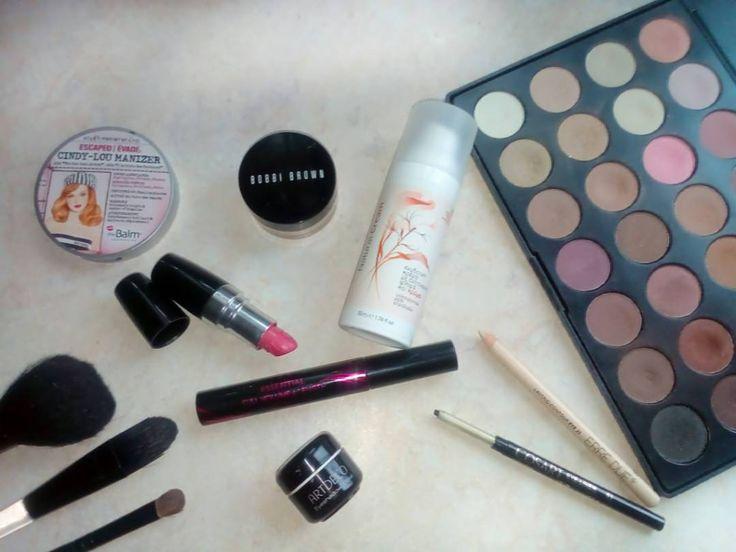 Today's #makeup #essentials  #diaryofabeautyaddict #elbeautythings #thebalm #bobbibrown #coastalscents #artdeco #erredue #cosart #goldenrose #vivoverde #bbloggers #greekblogger #greekbloggers