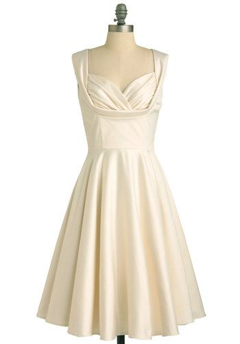 Gorgeous vintage-style dress. So Marilyn.