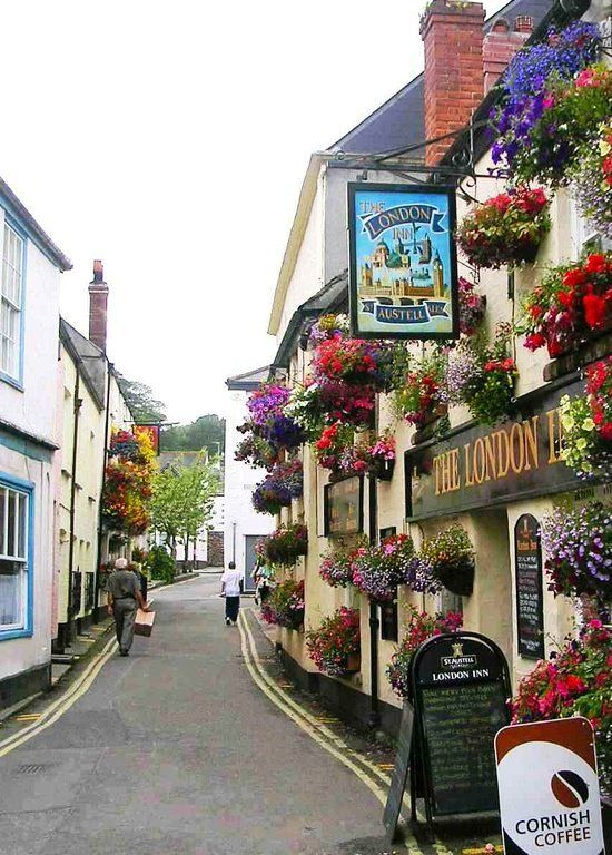 The London Inn, Padstow, Cornwall, UK