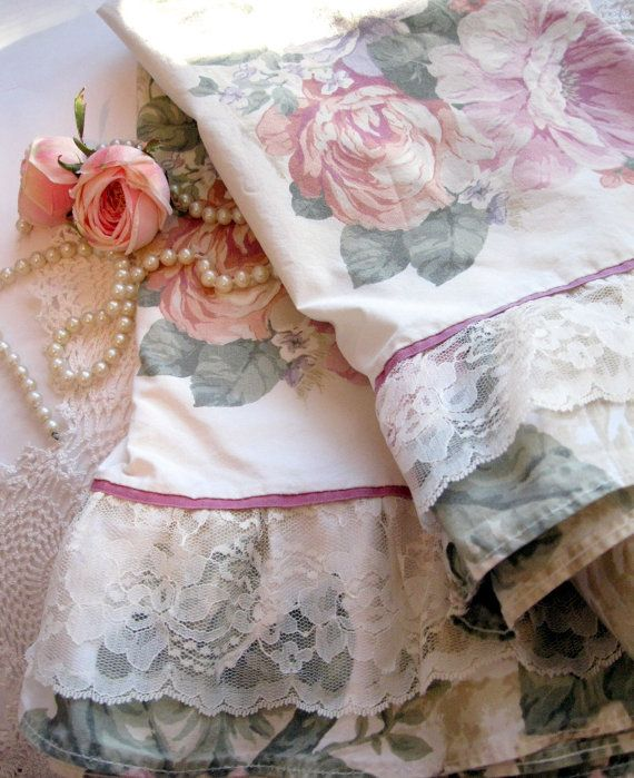 Vintage Pillow Case Set Roses Set of Two Springmaid    Roses, lace, frills, just the perfect combination to make for a lovely pillow case set
