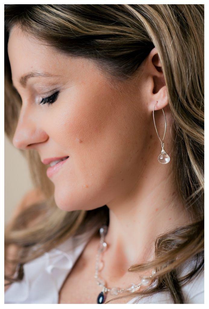 Hegyikristály fülbevaló hosszú ezüst száron.