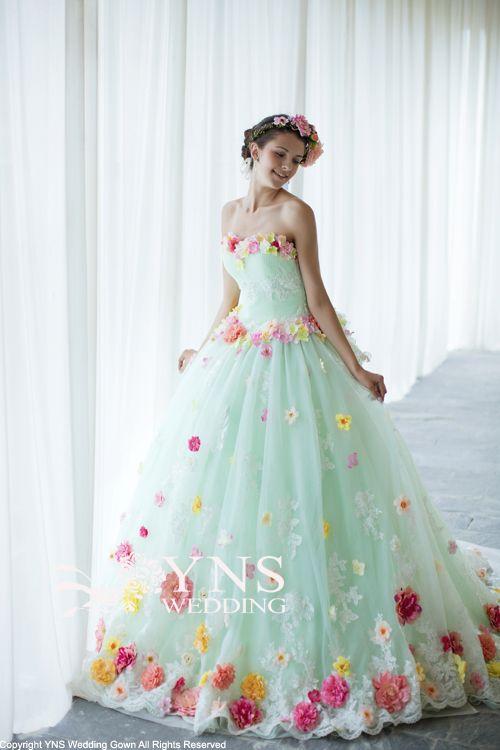 お手頃価格でドレスを購入できる♡オーダードレスショップ『YNS WEDDING』の魅力とは*にて紹介している画像