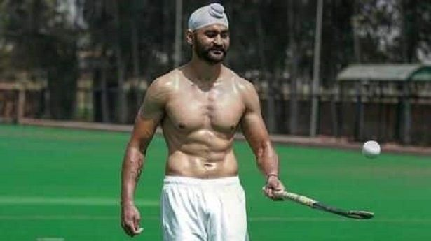 Here S The Story Behind How Sandeep Singh Re Established Himself Into Game Daily Hawker Diljit Dosanjh Stories Story