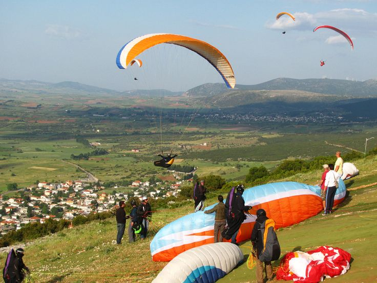 Paragliding: Flying a slope parachute - A Greek Adventure