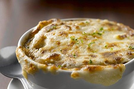 Applebee's French Onion Soup.  **repinning from my Soup Board. Need something warm in this freezing weather!
