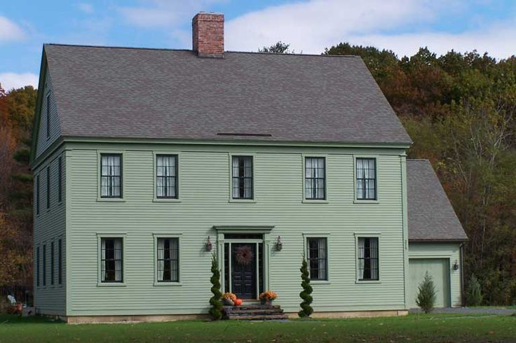 Farmhouse vintage early american farmhouse in historic for New england colonial homes