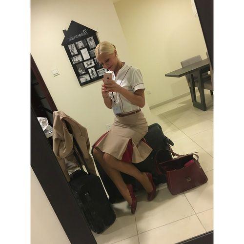 Imagen de blonde, est, and Dubai