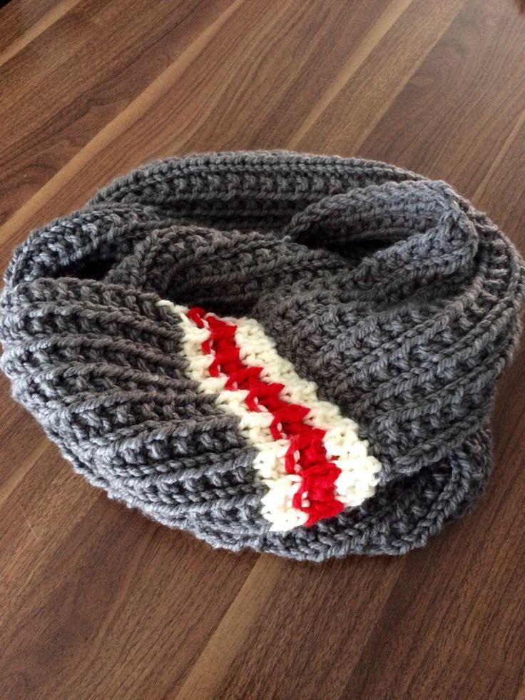 Foulard infini bas de laine tricot | Infinite scarf wool sock knitted https://www.etsy.com/ca-fr/listing/250492249/foulard-infini-de-type-bas-de-laine