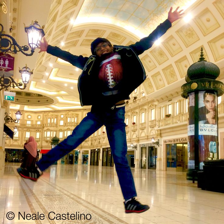 Villagio Mall, Doha, Qatar #nealecastelino #nealecastelinophotography #letscreateart #nikon #travel #streetart  #nikonphotography #nikon_photography_ #traveller  #traveldiaries #street #qatar #color #symmetry @natgeoyourshot #mumbai #travelphotography #shop #shopping #travelphoto #city #doha #villagio #mall #fountain #luxury #luxurylifestyle #dohacityx