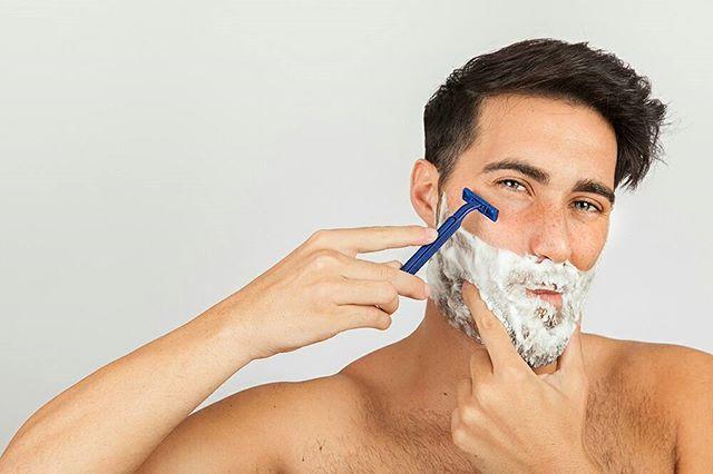 Erkek bakımı sadece saç ve sakal tıraşından ibaret değildir!⠀ ⠀ Siz de hayatınızdaki erkeğin kendisine daha fazla özen göstermesini istiyorsanız ona Cozzy Box hediye edebilirsiniz :)⠀ ⠀ ⠀ #erkekbakımı #erkekbakımürünleri #bakımlıerkek #karizmatik #karizma #stil #stilsahibi #özgüven #özgüveninitazele #bakımlıol #iyigörün #iyihisset #erkekleriçinhediye #erkeklereözel #erkekbakımı #erkekiçinhediye #sürprizhediye #sürpriz #sevgilim #yakışıklım #aşkım #doğumgünühediyesi…