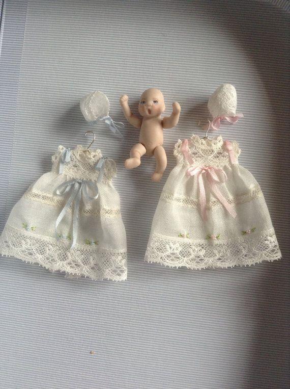 01:12 échelle vêtements miniature, vêtements de pépinière de maison de poupée…